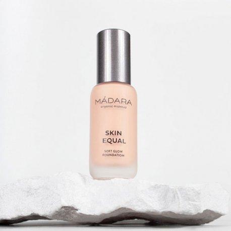 Maquillaje Base Skin Equal Madara